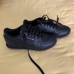 Women's classic Reebok sneakers